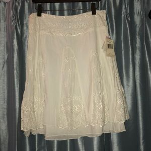 Guess White eyelet skirt size 27 w/tags